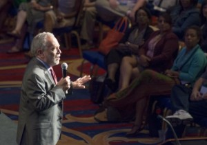 Former labor secretary, author and commentator Robert Reich speaks at the 2014 NASW National Conference. Photo courtesy of NASW.